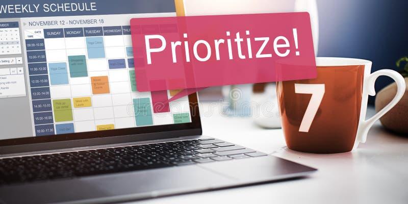 Donnez la priorité au concept urgent de tâches de rang d'ordre de foyer d'efficacité photos stock