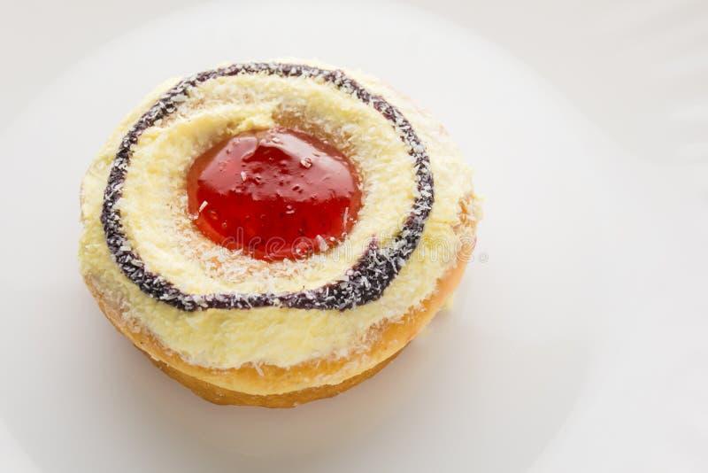 Donut mit weißem Hintergrund lizenzfreies stockbild