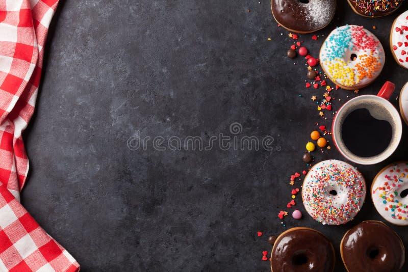 Donuts и кофе стоковые изображения rf