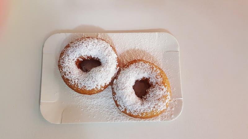 Donuts на завтрак стоковые изображения rf