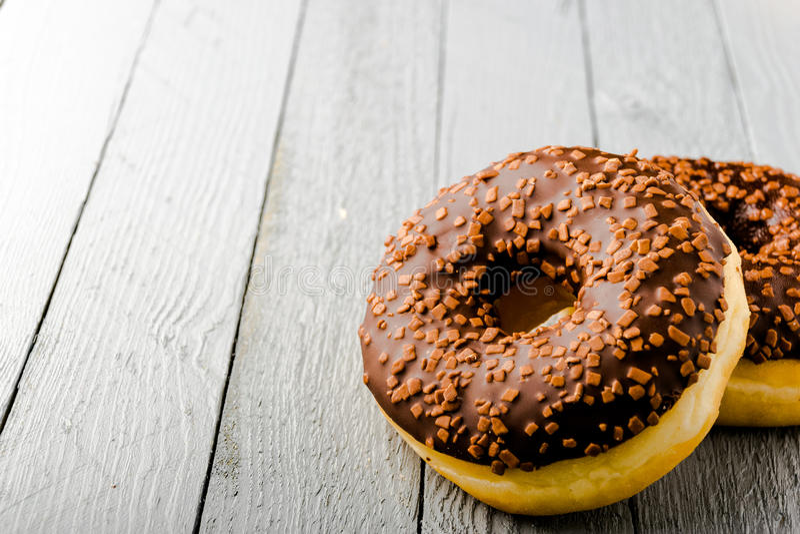 Donuts met chocolade royalty-vrije stock fotografie