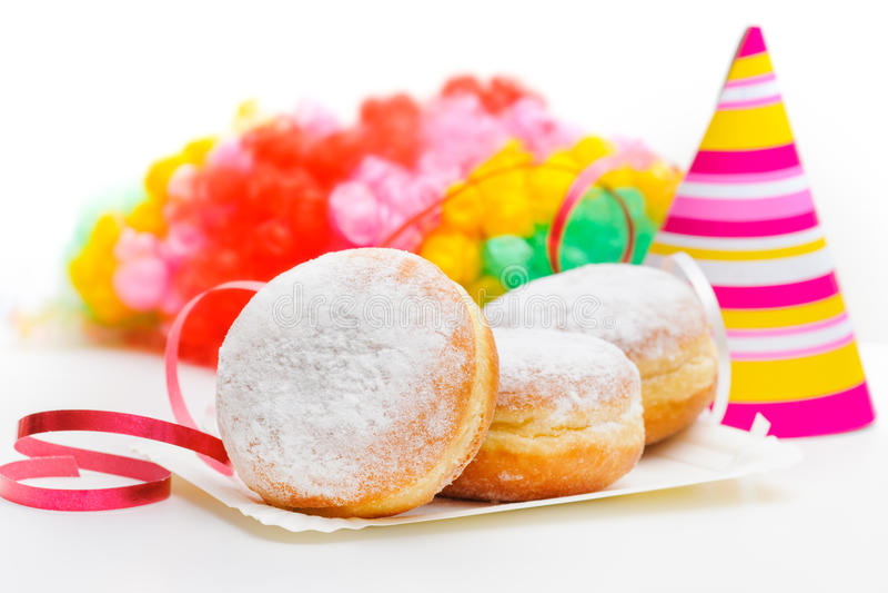 Donuts z karnawałową dekoracją obraz stock