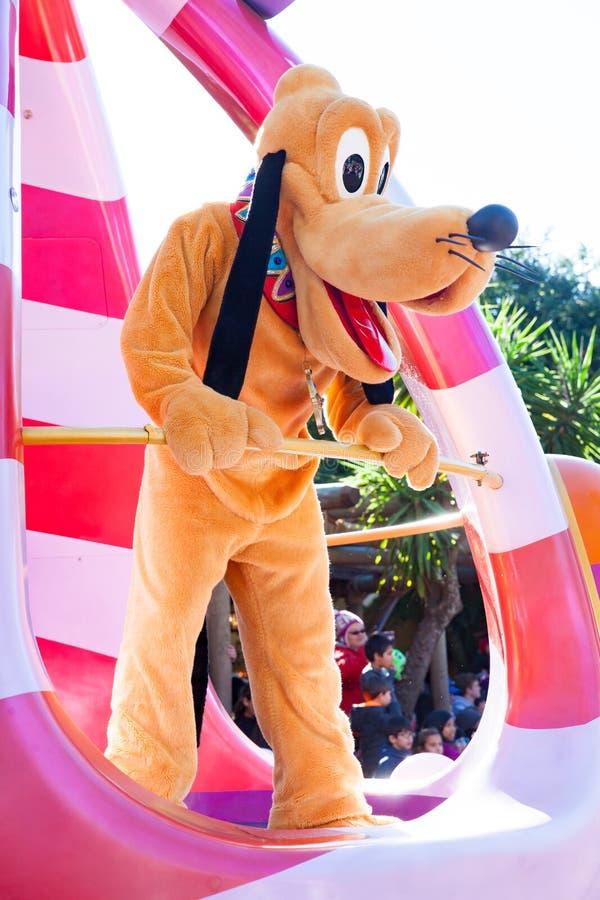 Doo Scooby участвуя в параде DisneyWorld стоковые изображения rf