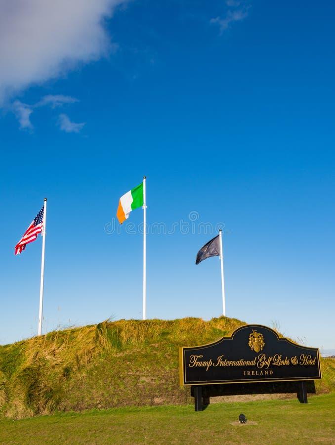 Doonbeg, Irland - 28. Dezember 2016: Donald Trump International Golf Links u. Fünf-Sternehotel Doonbeg, Grafschaft Clare, Irland lizenzfreies stockbild