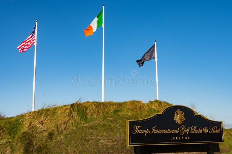 Doonbeg, Irlande - 28 décembre 2016 : Donald Trump International Golf Links et hôtel cinq étoiles Doonbeg, comté Clare, Irlande photographie stock libre de droits
