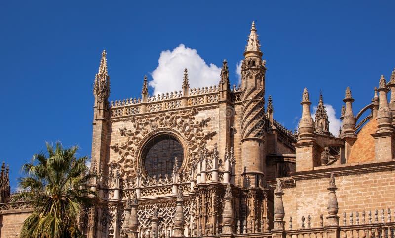 door王子圆花窗耸立哥特式塞维利亚大教堂西班牙 图库摄影