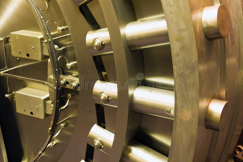 Download Door In Bank Safe Deposit Room Stock Photography - Image: 17451412