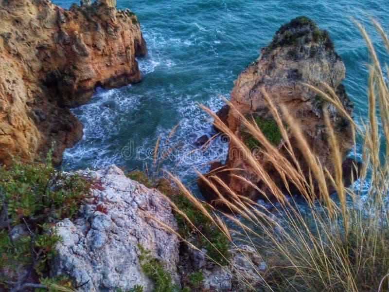 Door de Oceaan stock afbeeldingen