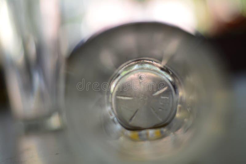 Door het glas stock foto's