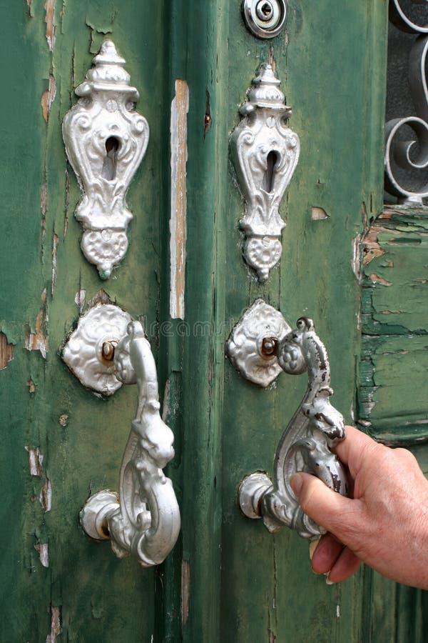 Door knocking 2