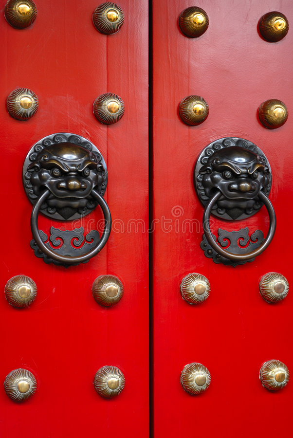 Free Door Of Chinese Temple Royalty Free Stock Images - 4277629