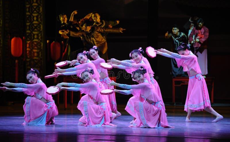 Doorboor de tamboerijn-eerste handeling van de gebeurtenissen van dans drama-Shawan van het verleden royalty-vrije stock foto