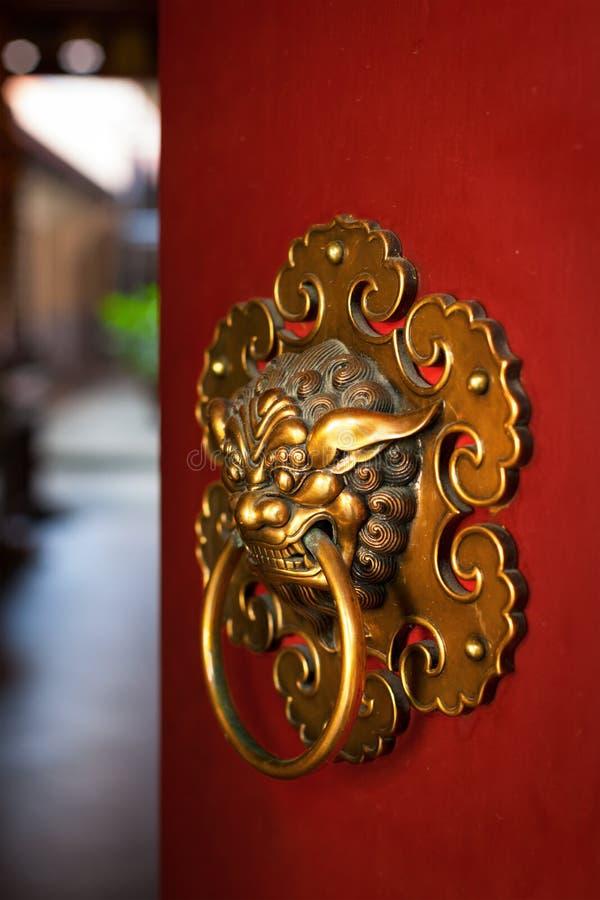 Doorknob do templo budista imagem de stock