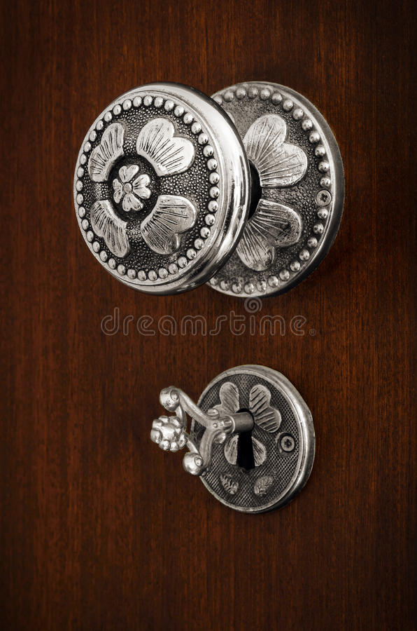 Doorknob e chave imagens de stock