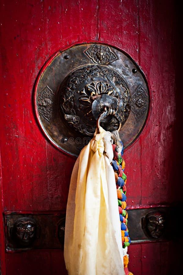 Doorknob velho decorado com tassel foto de stock
