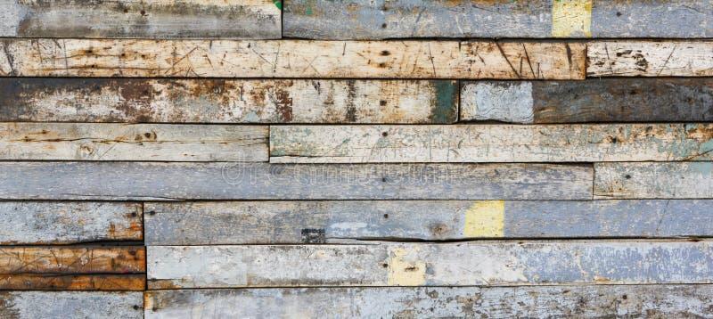 Doorstane Houten Muurbanner Als achtergrond met Afgebroken Verf stock fotografie