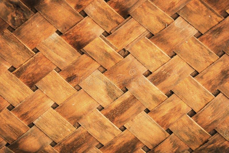 Doorstane schuur houten achtergrond met knopen, het patroontextuur van het Bamboeweefsel royalty-vrije stock afbeelding