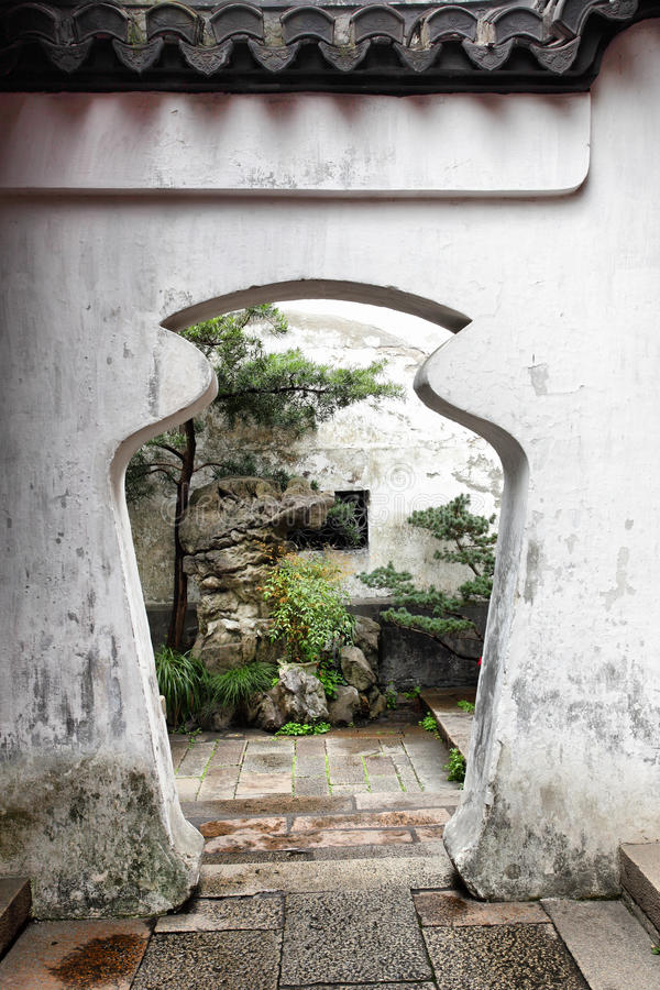 Doorway in Yu Yuan Garden stock photography