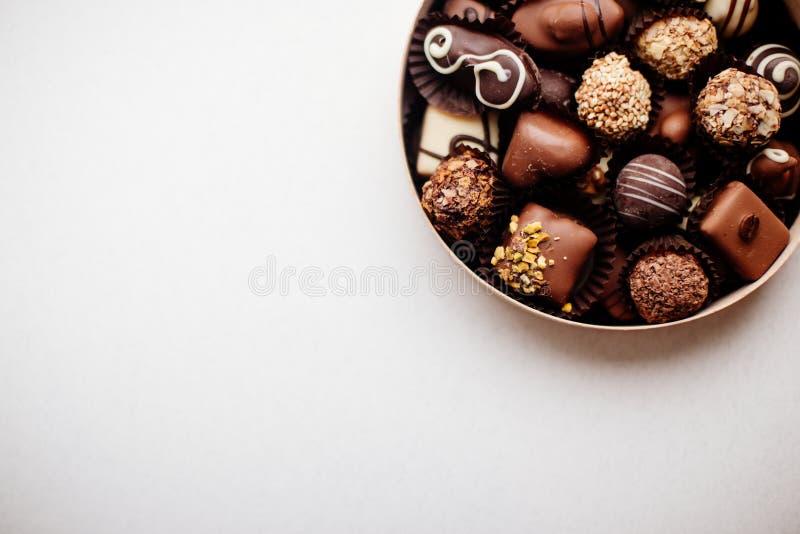 Doos van Chocoladesuikergoed stock foto's
