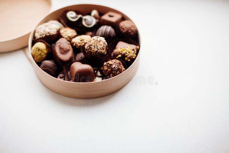 Doos van Chocoladesuikergoed royalty-vrije stock afbeeldingen
