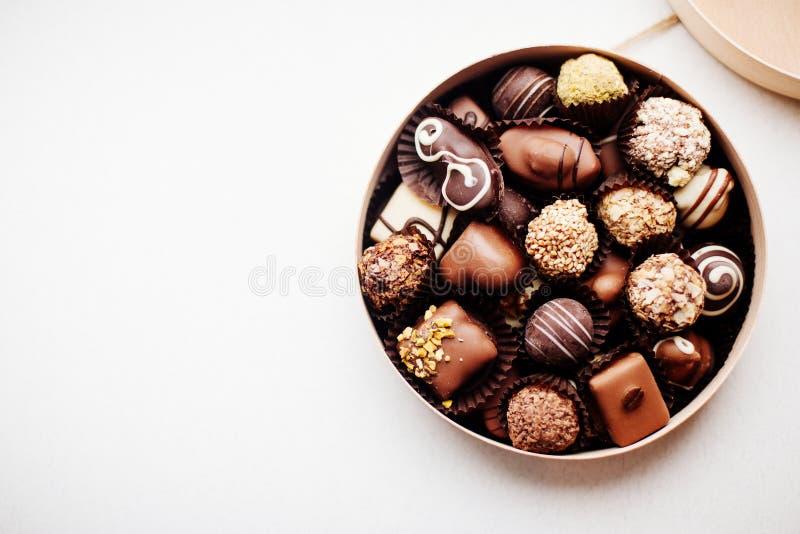 Doos van Chocoladesuikergoed royalty-vrije stock afbeelding