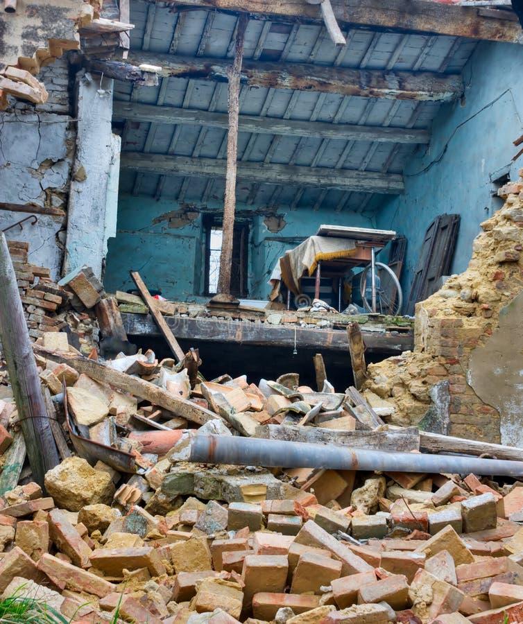 Dopo il terremoto immagine stock