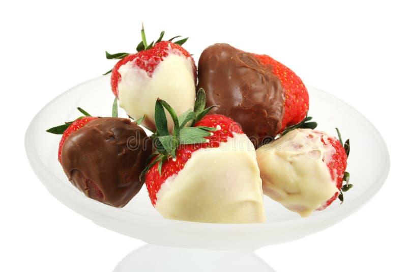 doppade jordgubbar för choklad close upp royaltyfri fotografi