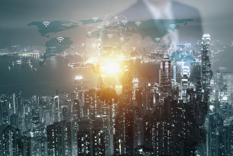 Doppelbelichtung der Geschäftsmannhand Beschaffenheit die Welt MA zeigend lizenzfreies stockfoto