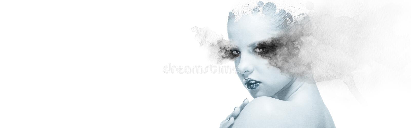 Doppelbelichtungsfrau kombiniert mit Aquarellelementpanoramabild stockfotografie