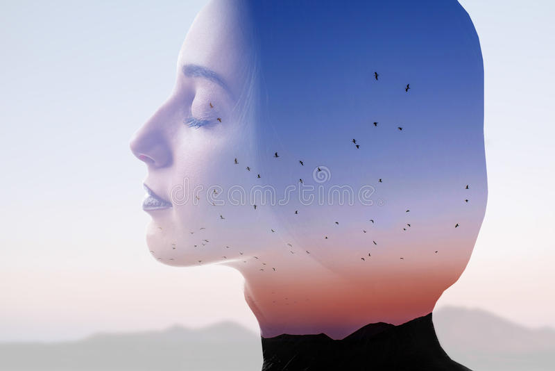 Doppelbelichtungsfrauenporträt stockfoto
