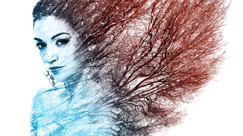 Doppelbelichtungsporträt der attraktiven Frau kombinierte mit Foto lizenzfreies stockbild