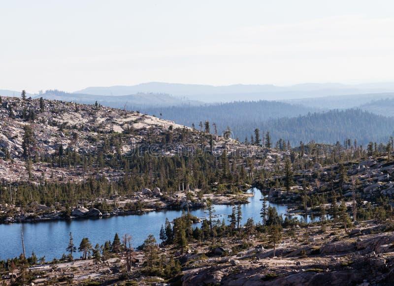 Doppelsee in der Verwüstungs-Wildnis, Kalifornien lizenzfreies stockfoto