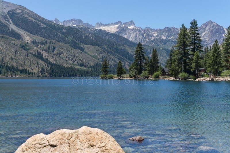 Doppelseen, die Ostsierra Nevada Range stockbild