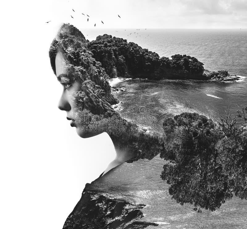 Doppelte Berührung Frau und Natur stockbild
