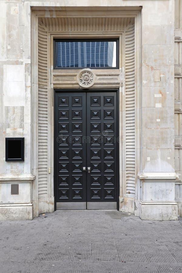 Doppelte Tür London lizenzfreie stockbilder
