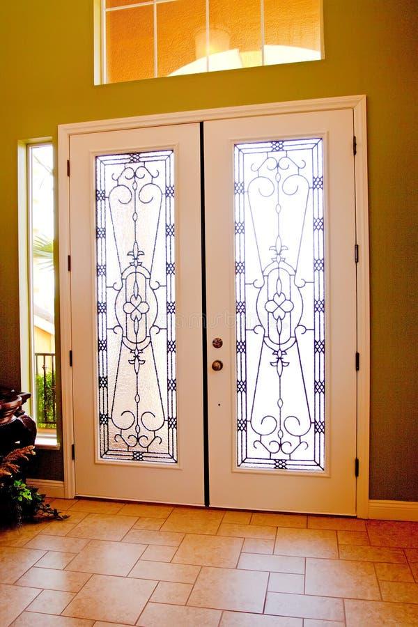 Doppelte Türen lizenzfreie stockbilder