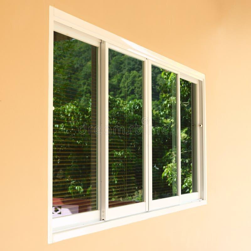 Doppelter Fensterersatz lizenzfreies stockbild