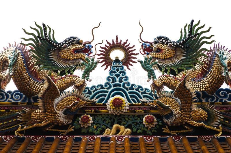 Doppelter goldener Drache im chinesischen Tempel stockbild
