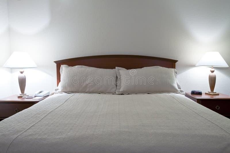 Doppeltes Bett stockbild