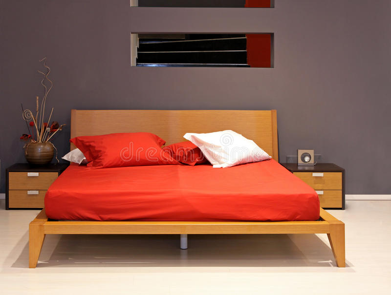 Doppeltes Bett lizenzfreies stockbild
