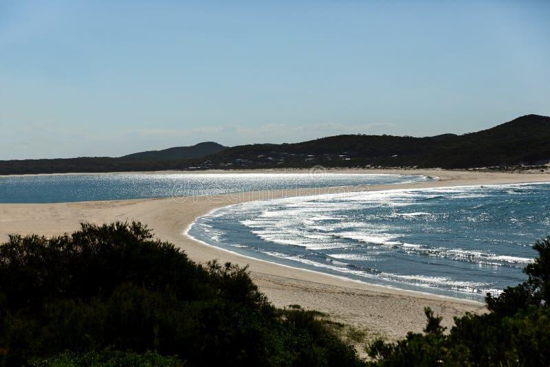 Doppia baia parteggiata del Nelson della spiaggia fotografie stock