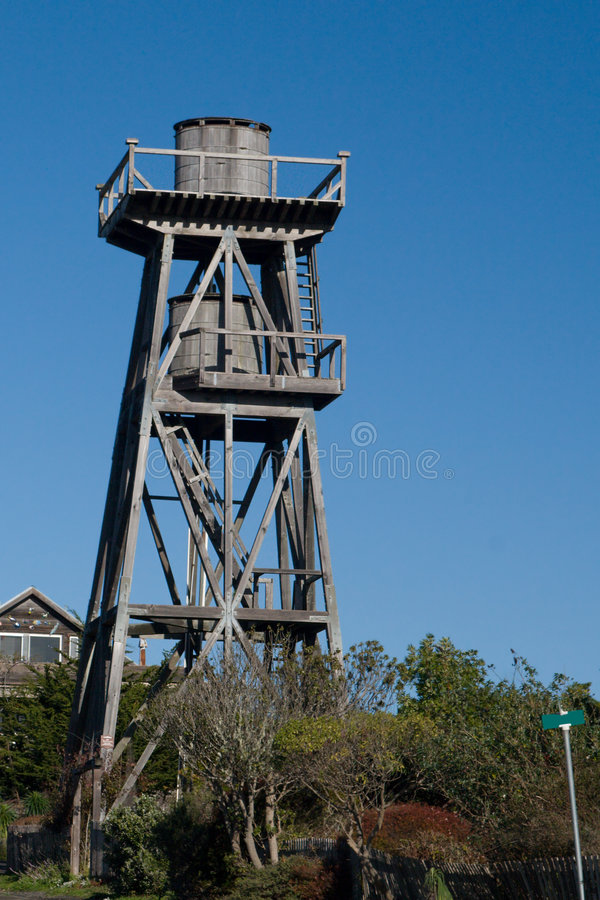 Doppia cisterna Watertower fotografie stock libere da diritti
