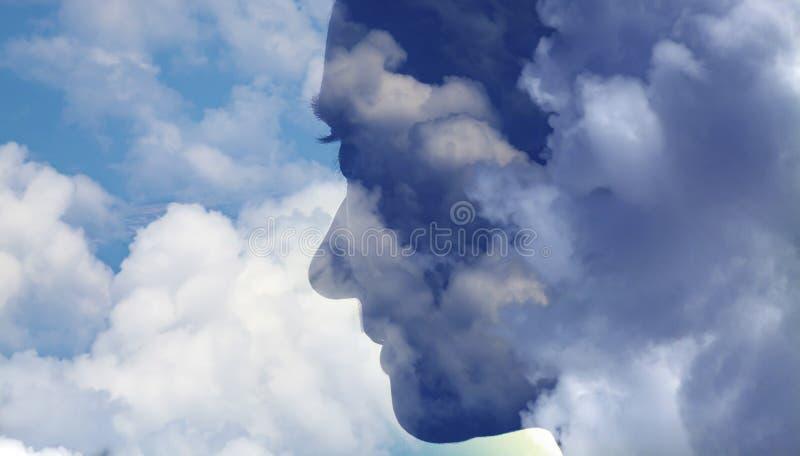 doppia esposizione della donna alla testa e al cielo, meditazione, salute mentale, depressione fotografia stock libera da diritti