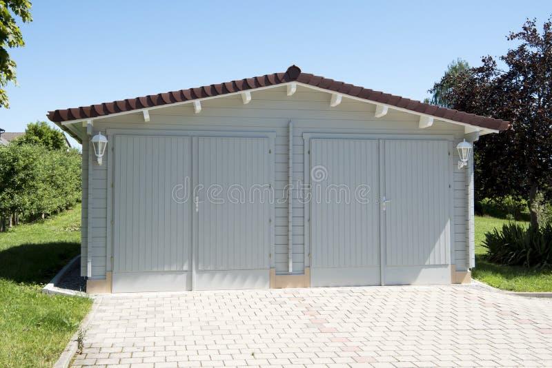 Doppio garage immagini stock libere da diritti