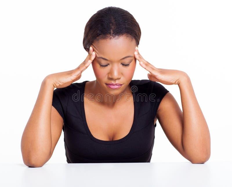 Dor de cabeça da mulher negra imagens de stock