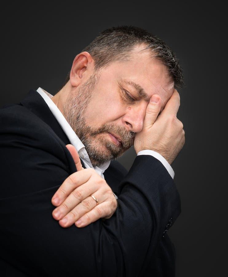 Download Dor De Cabeça. Homem Com A Cara Fechado à Mão Imagem de Stock - Imagem de ansiedade, hurt: 29836595