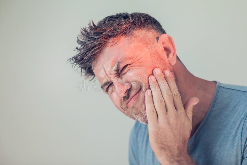Dor de dente, medicina, conceito dos cuidados médicos, problema dos dentes, m novo fotografia de stock