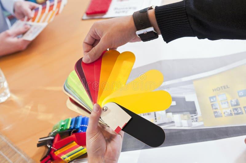 Doradzać sytuacja kolor & materiał fotografia stock
