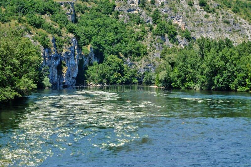 Dordogne rzeka w Lacave w udziale zdjęcia royalty free