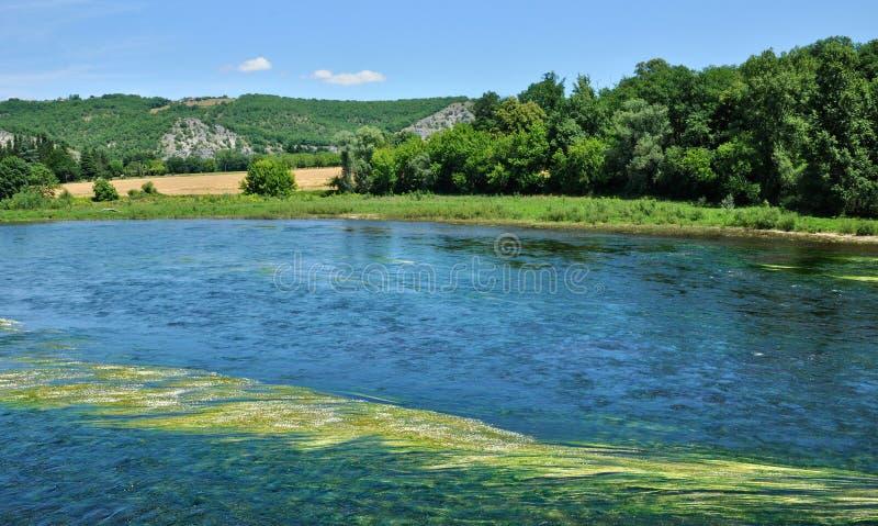 Dordogne rzeka w Lacave w udziale fotografia stock
